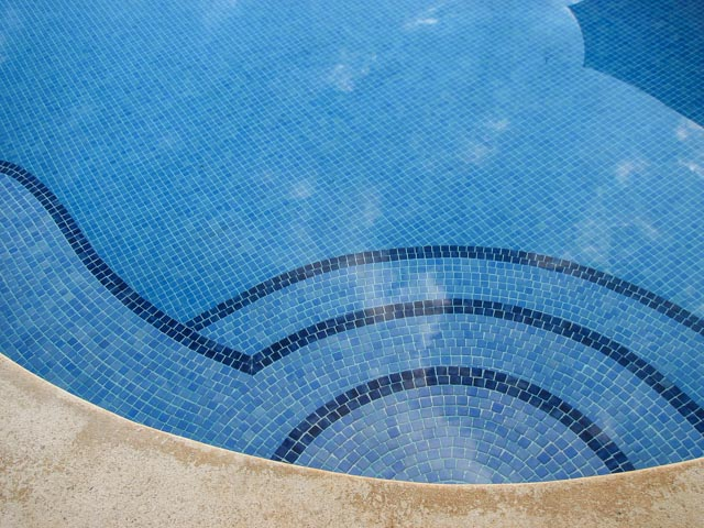 13. Finca Francesa Pool Tile