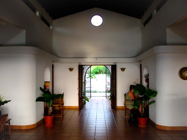 4. Finca Francesa Foyer