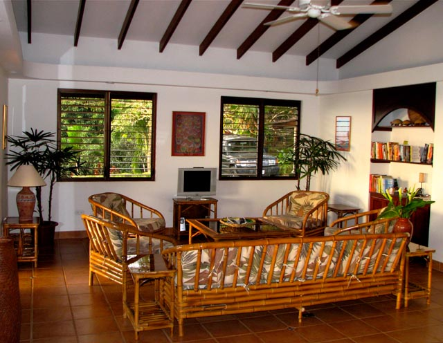 6. Finca Francesa Living Room